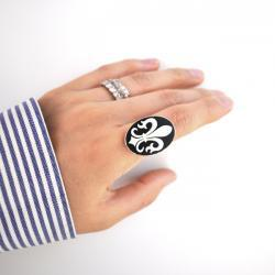 fleur de lis ring, Black and White Fleur de lis Cameo Ring, French, France